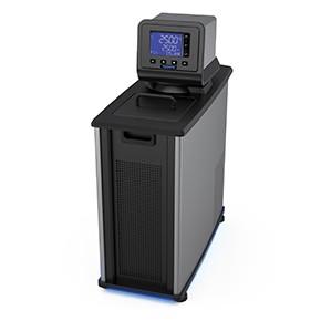 配備高級數位型温度控制器的製冷/加熱循環水槽