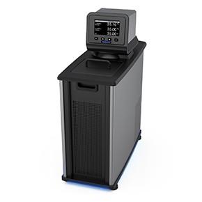 配備高級可程式數位控制器的製冷/加熱循環水槽